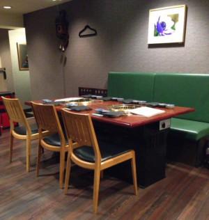東中野・慶州のテーブル席