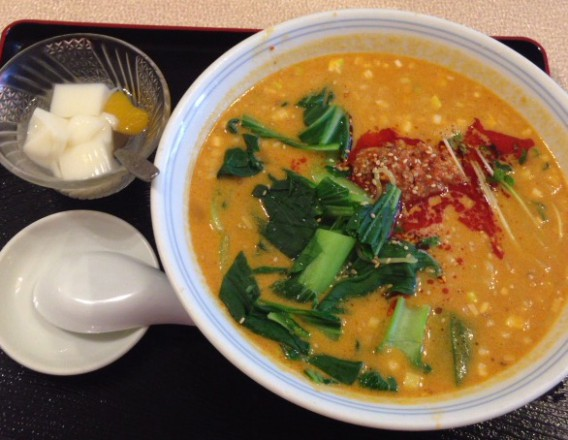 東中野4丁目・新楽園の坦々麺と杏仁豆腐