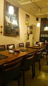 東中野1丁目の韓国料理店びみ亭の客席