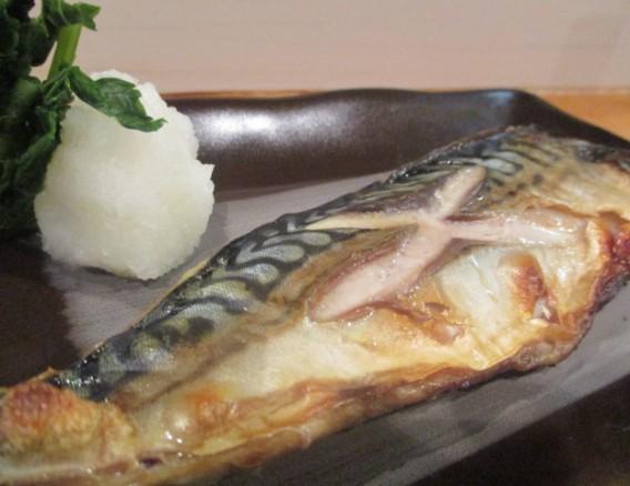 東中野5丁目bubuの鯖塩焼き