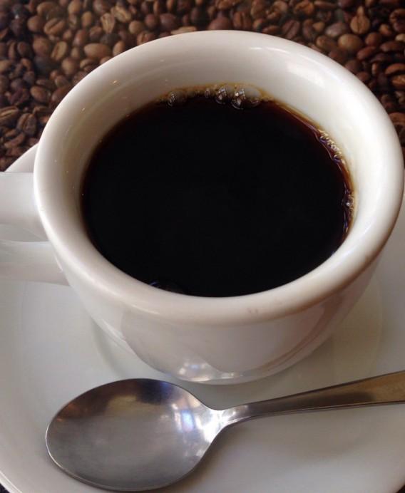 大久保駅南口の喫茶店ツネのホットコーヒー