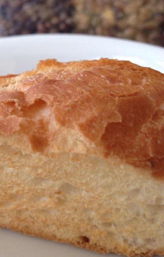 大久保駅南口の喫茶店ツネのパン