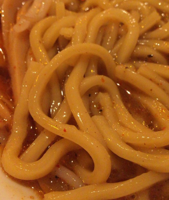 北新宿百人町交差点そばの桔梗の麺