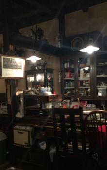 高円寺ルック商店街の喫茶店『七ツ森』のカウンター