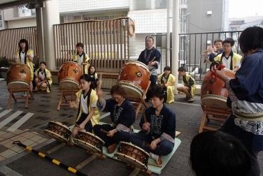 ひがしなかの EKIHIRO フェスタ春~太鼓演奏