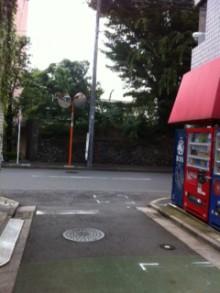 突き当りの東中野本通りを右へ