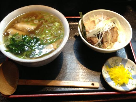 楓家のとくとくセット~ハーフラーメン&ハーフ炙りチャーシュー丼