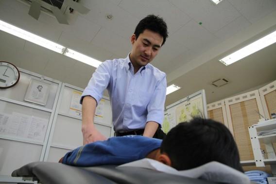 湘南カイロ茅ケ崎治療室の施術写真