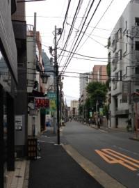 東中野本通りを早稲田通り方面へ