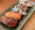 上落合2丁目交差点近くの寿司店「まぐろ屋さんのすし処」 握りから丼物まで美味しいお寿司がリーズナブルな価格で食べられます。