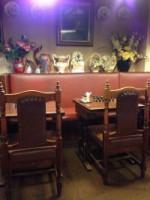 おなかいっぱいテーブル席