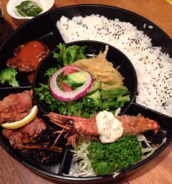 東中野1丁目の津つ井・洋食弁当(松)