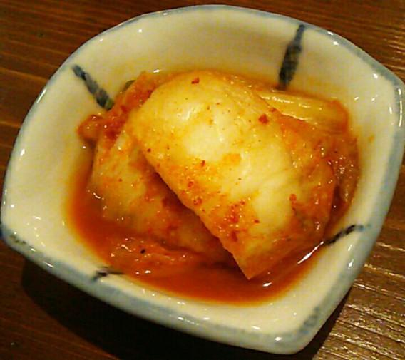 東中野1丁目の韓国料理店びみ亭のキムチ
