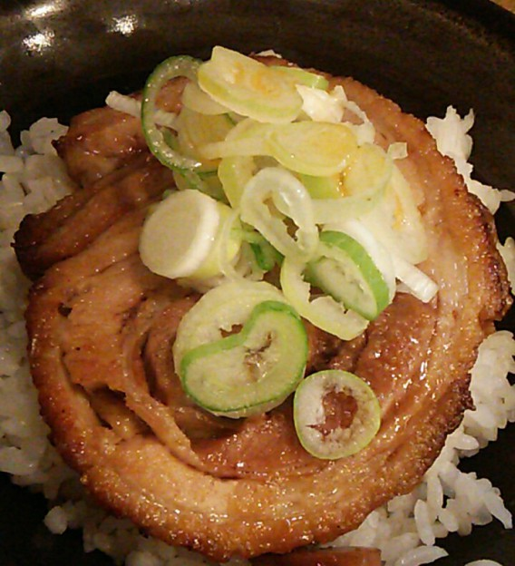 東中野4丁目の燿のミニチャーシュー丼