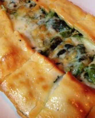 大久保駅南口のトルコ料理・ヒサルのトルコ風ピザ