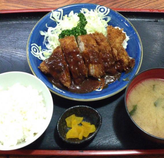 高円寺の和風食事処 赤城屋のかつ定食