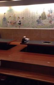 新大久保の延辺料理金達莱の小上がり席