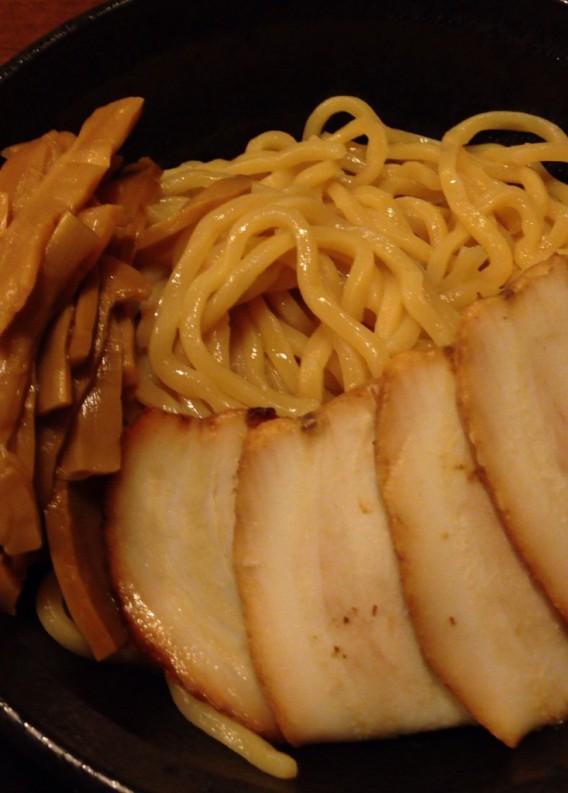 上高田・名越の極太つけ麺