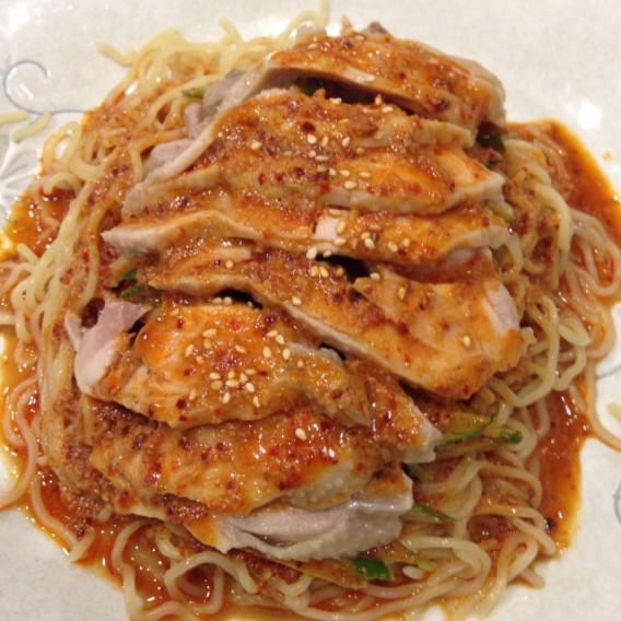 高円寺南口の四川料理豆の家の冷やし棒棒鶏麺