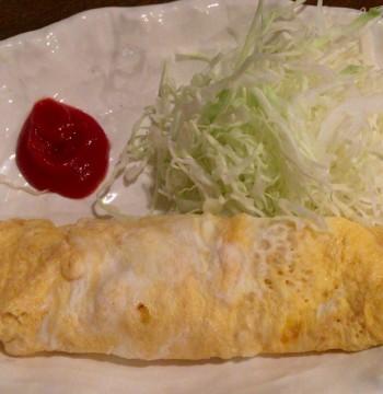 中野駅北口の大衆食堂「キッチンことぶき」の玉子焼き