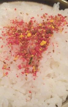 中野駅北口の大衆食堂「キッチンことぶき」のふりかけご飯
