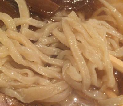 東中野1丁目の手打ち中華「高揚」の麺