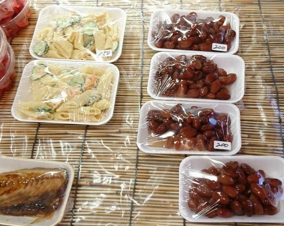 東中野四丁目の鮮魚、総菜店うおこうの商品